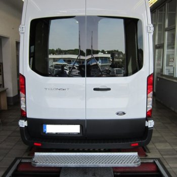 Gefederte Hecktrittstufe Ford Transit, VW Crafter, MAN TGE - 1800